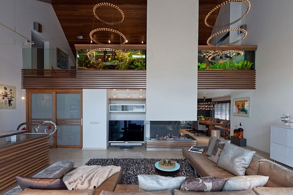 huge-living-room-aquarium
